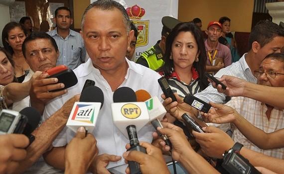 Alcalde de valledupar fredys socarr s anuncia terminaci n for Amoblamiento urbano